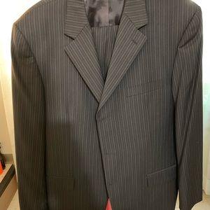 Two piece suit Andrew fezzes.